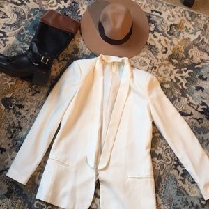 White blazer, mid-length buckle boots, H&M hat